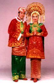 Pakaian Adat Sumatera Barat   Jenis / Macam Pakaian